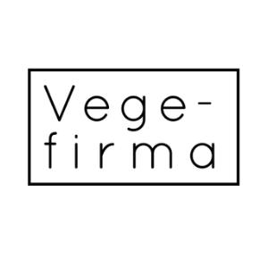 Vegefirma toimii Runo-lampaan kummina. Vegefirma on helsinkiläinen yritys, joka maalailee ennakkoluulottomasti villejä tulevaisuudenvisioita. Vegefirma tuottaa muun muassa Pohjoismaiden suurinta kasvisruokatapahtumaa Vegemessuja sekä tarjoaa konsultointi- ja sisällöntuotantopalveluita vegekentän toimijoille.