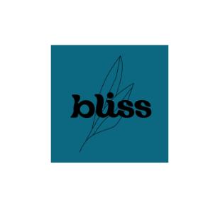 Kitchen & Cafe Bliss on Viima-ketun kummi. Bliss on kahden hyvinkääläisen siskoksen unelma, vegaaninen kahvila-catering, joka loihtii herkkuja tällä hetkellä ruokarekasta käsin.